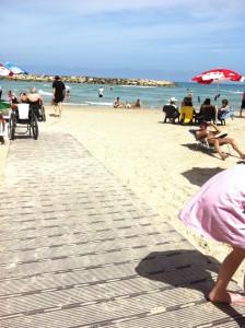 חוף הנכים הרצליה נגישות
